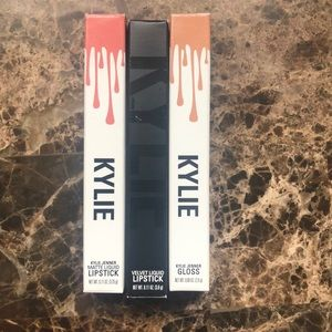 Kylie Jenner makeup. Selling them all 3 together
